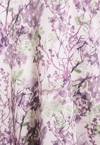 NA-KD - V-NECK FLOWY DRESS - Maxi dress - purple - 5