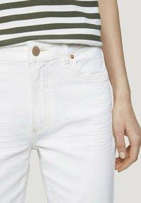 TOM TAILOR - Straight leg jeans - whisper white - 4