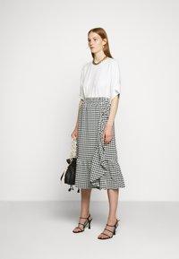 Bruuns Bazaar - SEER JESSIE SKIRT - Áčková sukně - black/white - 1
