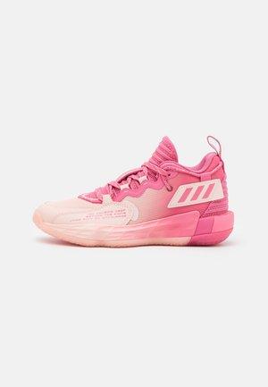 DAME 7 EXTPLY BASKETBALL LILLARD LIGHTSTRIKE SHOES MID - Obuwie do koszykówki - pink