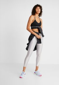 Nike Performance - INDY AIR BRA - Soutien-gorge de sport - black - 1