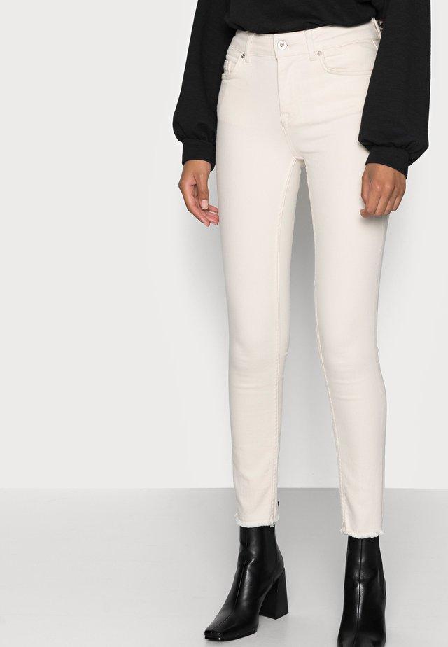 ONLBLUSH RAW - Jeans Skinny Fit - ecru
