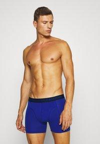 MUCHACHOMALO - ENDBOSS 3 PACK - Pants - blue/turquoise - 3