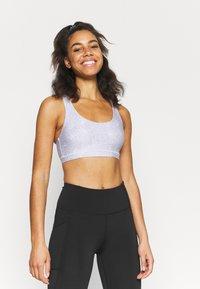 Cotton On Body - STRAPPY SPORTS CROP - Light support sports bra - blue - 0