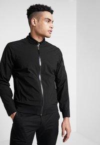 Cross Sportswear - BOMBER JACKET - Kurtka przeciwdeszczowa - black - 0