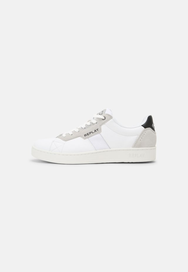CLASSIC TRUCK - Sneakers basse - white/black
