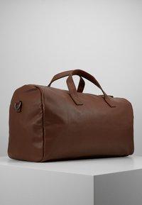 Pier One - UNISEX - Weekend bag - cognac - 1