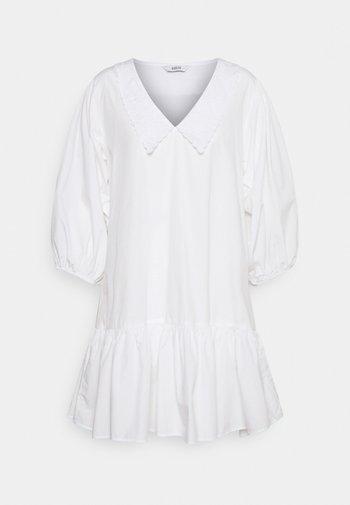 ENAZALEA DRESS - Vestido informal - white