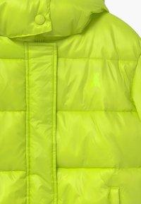 Patrizia Pepe - PIUMINO LOGO - Winter jacket - verde acido chiaro - 4