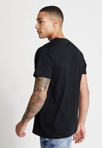 Urban Classics - BASIC TEE 2 PACK  - Basic T-shirt - black - 2