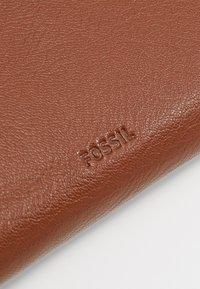 Fossil - FIONA - Wallet - medium brown - 2