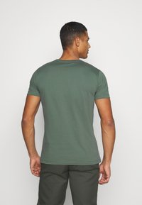 Pepe Jeans - CHARING - Print T-shirt - forest green - 2