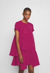 N°21 - Korte jurk - pink - 0