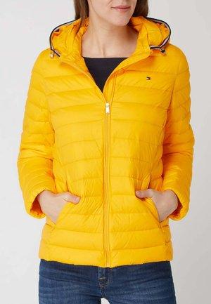 MIT ABNEHMBARER KAPUZE - WASSERABWEISEND - Light jacket - gelb
