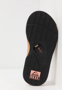 Reef - FANNING - Sandály s odděleným palcem - beige - 4
