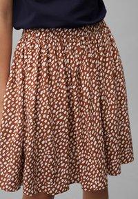 Marc O'Polo DENIM - ALLOVER-PRINT - Pleated skirt - multi/cinnamon brown - 3