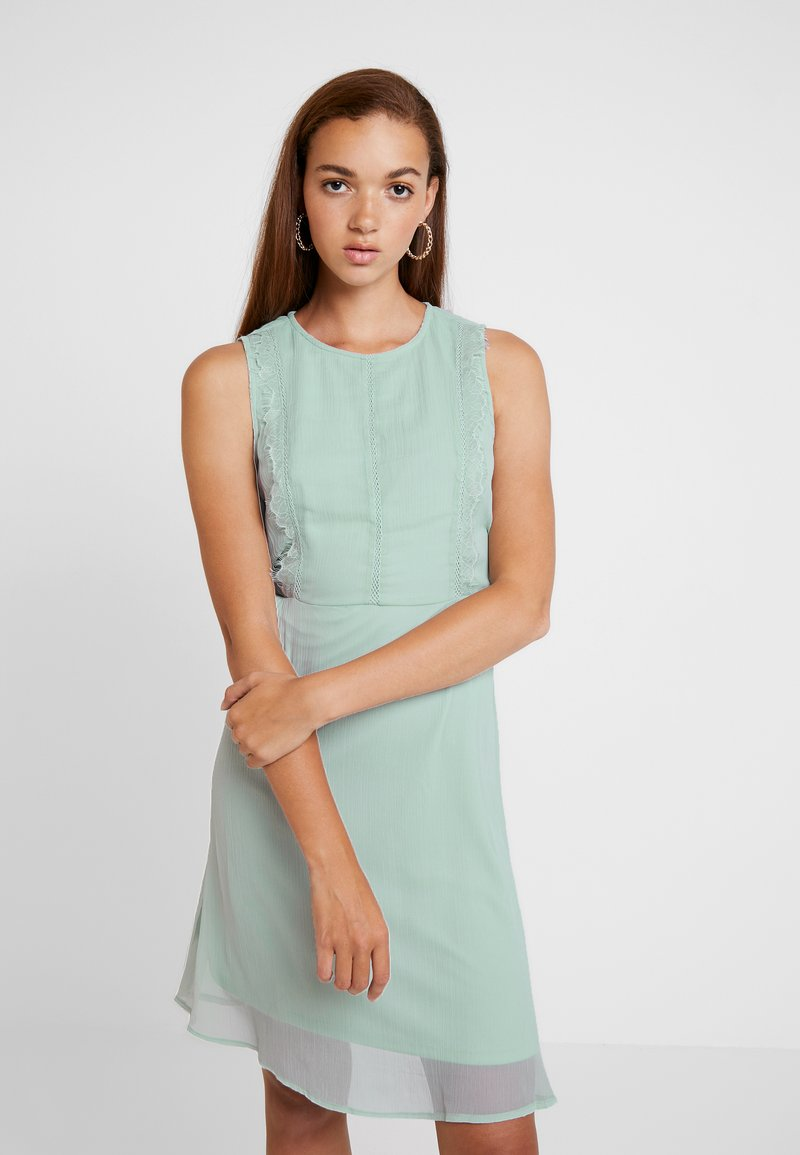 Vero Moda - VMBIRGITTA DRESS - Denní šaty - jadeite