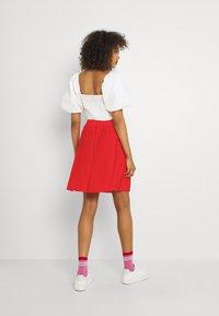 Vila - VIPLISS SKIRT - Plisovaná sukně - flame scarlet - 2