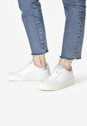 Trainers - white light blue wle