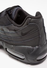 Nike Sportswear - AIR MAX - Sneakersy niskie - black - 6