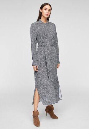 Robe chemise - dark navy hearts minimal
