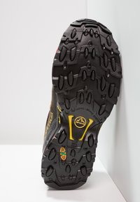 La Sportiva - ULTRA RAPTOR GTX - Obuwie do biegania Szlak - black/yellow - 4