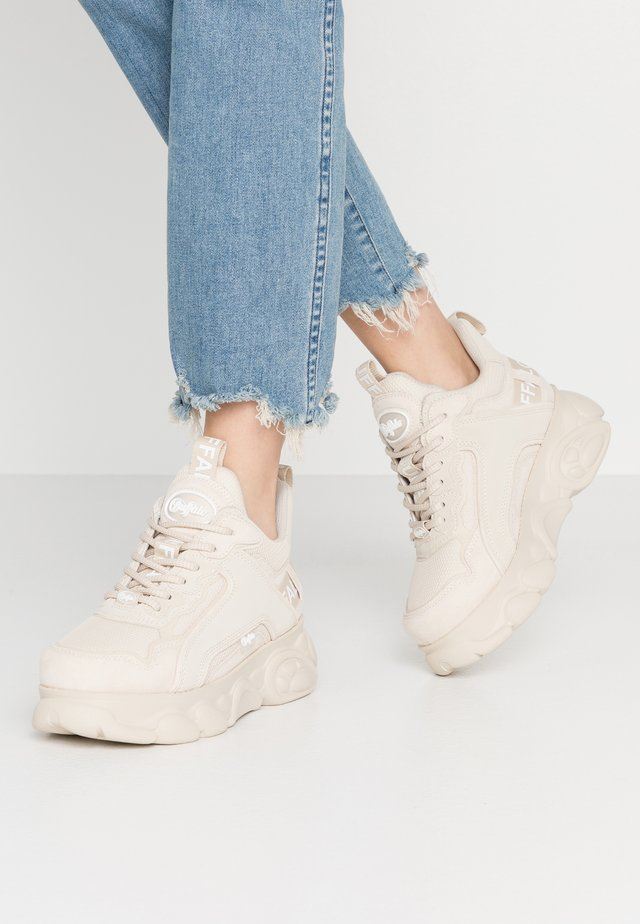 CHAI - Sneakersy niskie - beige