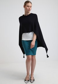 comma - PONCHO - Cape - dark blue - 0