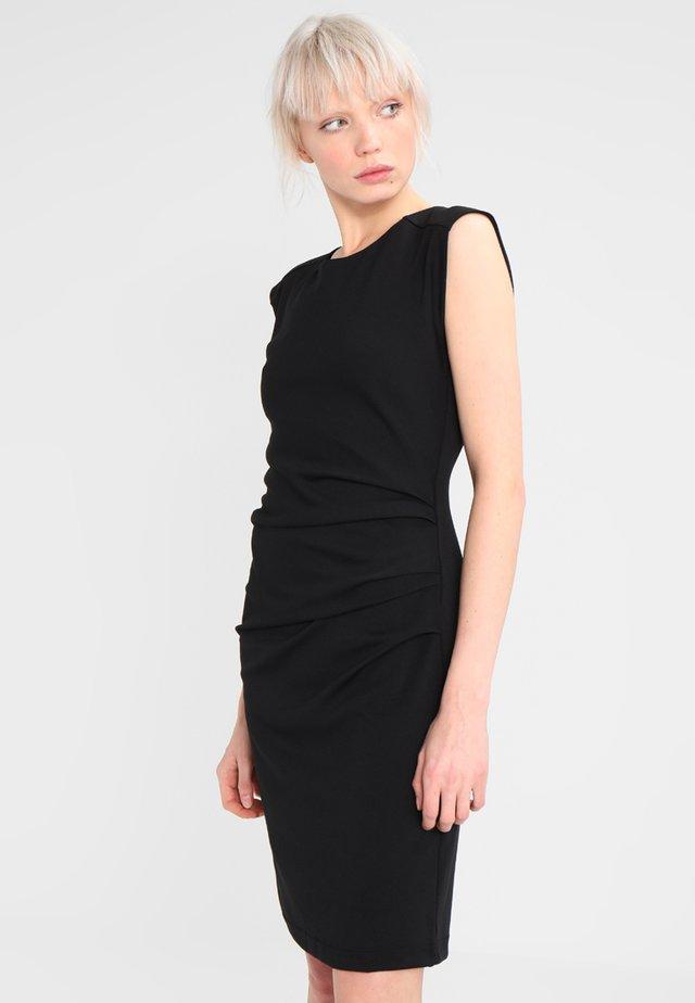 INDIA O NECK - Shift dress - black