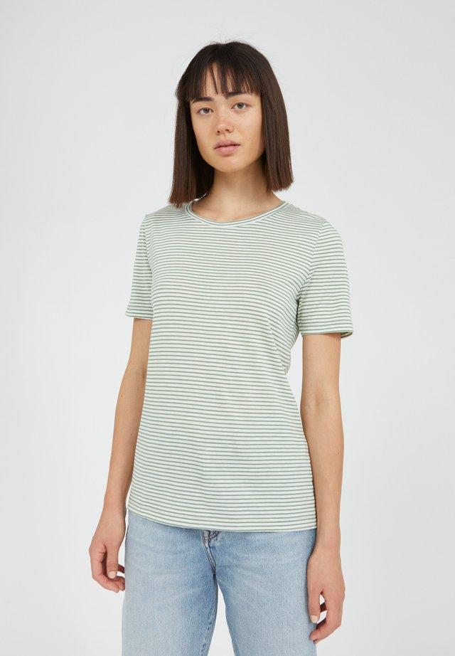 LIDIAA - T-shirt print - matcha oatmilk