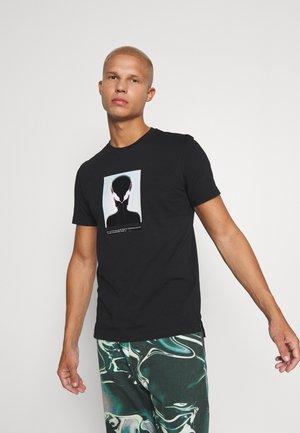 T-DIEGOS SLITS B81 UNISEX - Print T-shirt - black