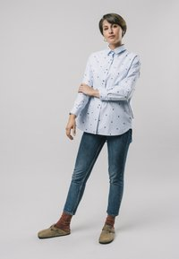 Brava Fabrics - YOKO PRINTED - Button-down blouse - blue - 1
