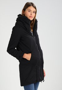 MAMALICIOUS - TIKKA CARRY ME PADDED JACKET - Abrigo de invierno - black - 0