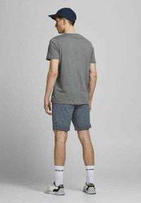 Jack & Jones - Shorts - vintage indigo - 2