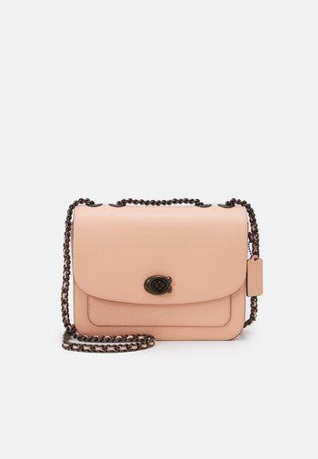 REFINED MADISON SHOULDER BAG - Taška spříčným popruhem - faded blush