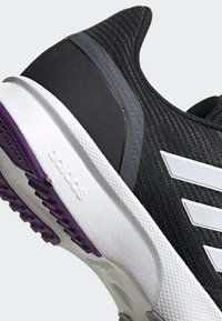 adidas Performance - NOVA FLOW SHOES - Löparskor stabilitet - black - 9