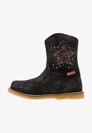 Kovbojské/motorkářské boty - doha preto black