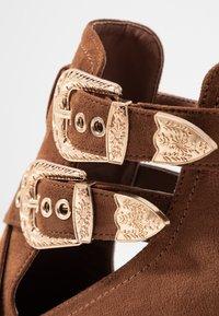 Miss Selfridge - CUT OUT - Ankle boots - tan - 2
