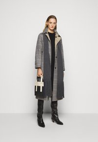 WEEKEND MaxMara - ARLETTE - Trenchcoat - weiss - 1
