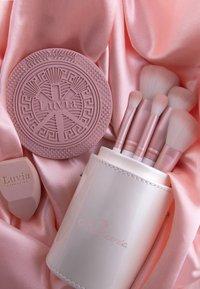 Luvia Cosmetics - PRIME VEGAN CANDY - Zestaw pędzli do makijażu - - - 6