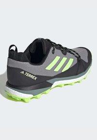 adidas Performance - TERREX SKYCHASER LT HIKING SHOES - Hiking shoes - grey - 5
