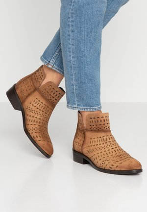 EDIT - Ankle boots - taupe