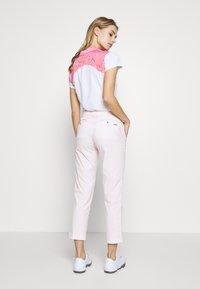 Colmar - CROKE HIGH WATER - Kalhoty - barley pink - 2