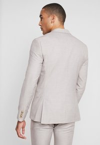 Isaac Dewhirst - WEDDING SUIT LIGHT NEUTRAL - Costume - beige - 3