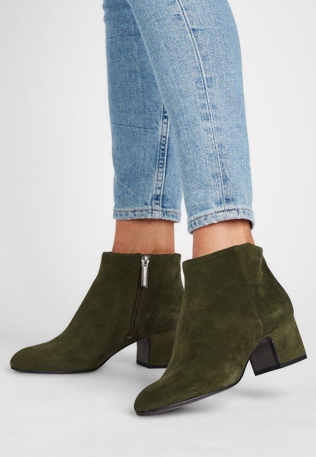 MARYLIN - Classic ankle boots - olivgrün