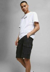 Jack & Jones - Shorts - black - 3