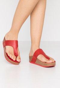 Panama Jack - QUINOA NACAR - Sandály s odděleným palcem - rot - 0