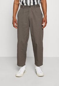 Vintage Supply - PLEATED TROUSER - Trousers - charcoal - 0