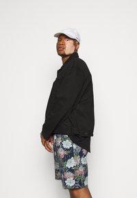 Jack´s Sportswear - FLORAL CHAMBRAY  - Shorts - dunkelblau - 3