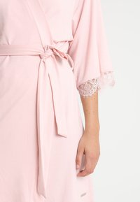 LASCANA - Dressing gown - light pink - 5